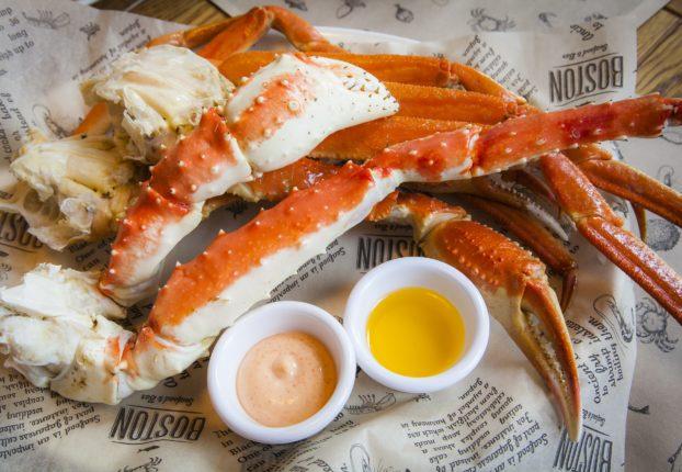 Boston_restoran_krab_akcia_belorusskaya_anton_lyalin_kirill_martinenko_WSJ_moreprodukti