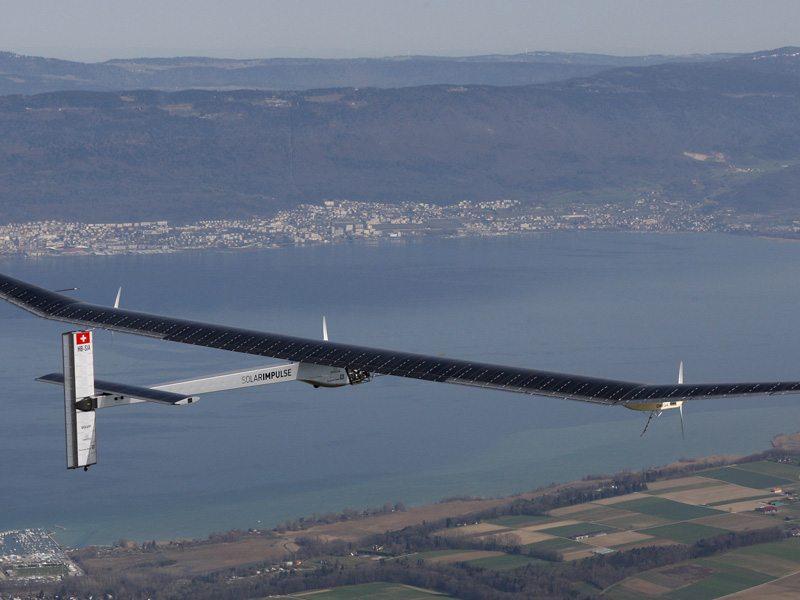 Самолёт Solar Impulse 2 удачно  облетел вокруг света