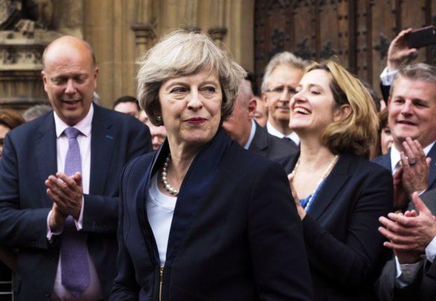 Tereza-Mey-brexit-bez-odobreniya-parlamenta-wsj
