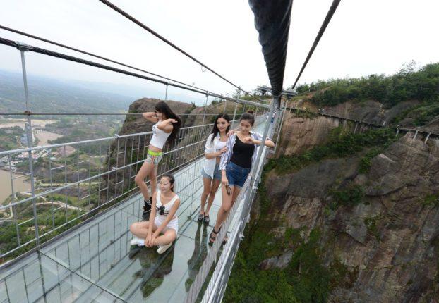 China-opens-Highest-and-longest-glass-bridge