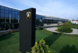 Lamborghini отзывает 5.900 автомобилей из-за возгорания