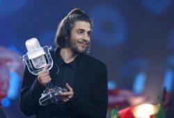 Португалия — чемпион по футболу, победитель «Евровидения-2017»
