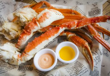 Ресторан Бостон Seafood  Bar: Дело в крабах!