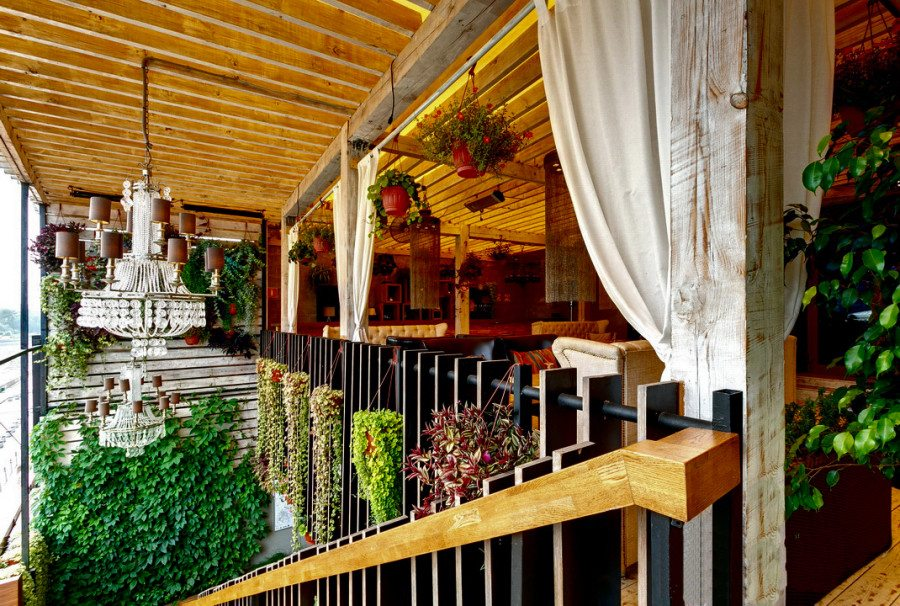 Shakti Terrace_wsj_wsjournal_moscow