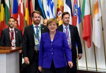 Меркель заявила о критическом положении ЕС