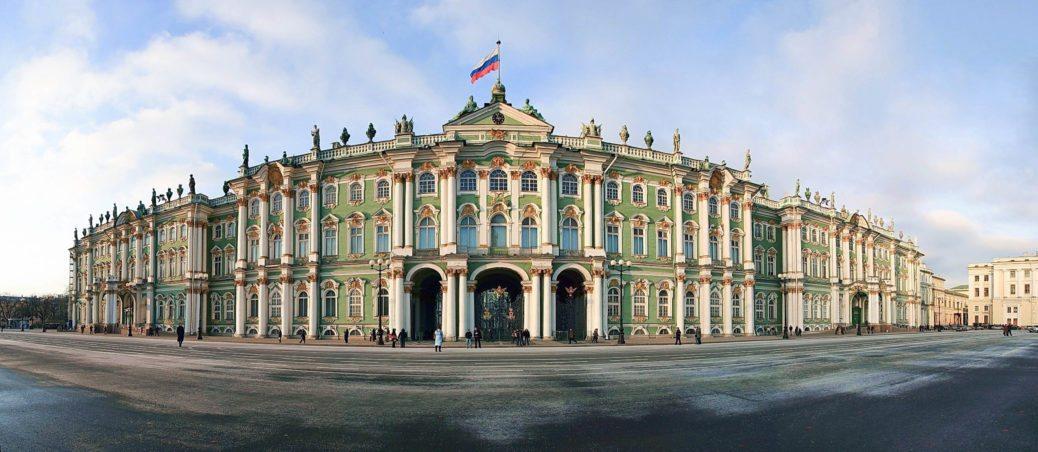 Ermitazh-odin-iz-luchshikh-v-mire-white-square-journal