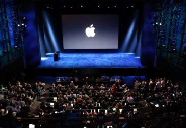 Apple запускает в России платежный сервис