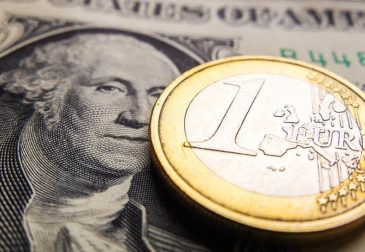 Установится ли паритет доллара и евро?