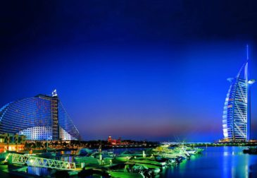 Дубай не перестает удивлять и представляет самый большой в мире надувной аквапарк