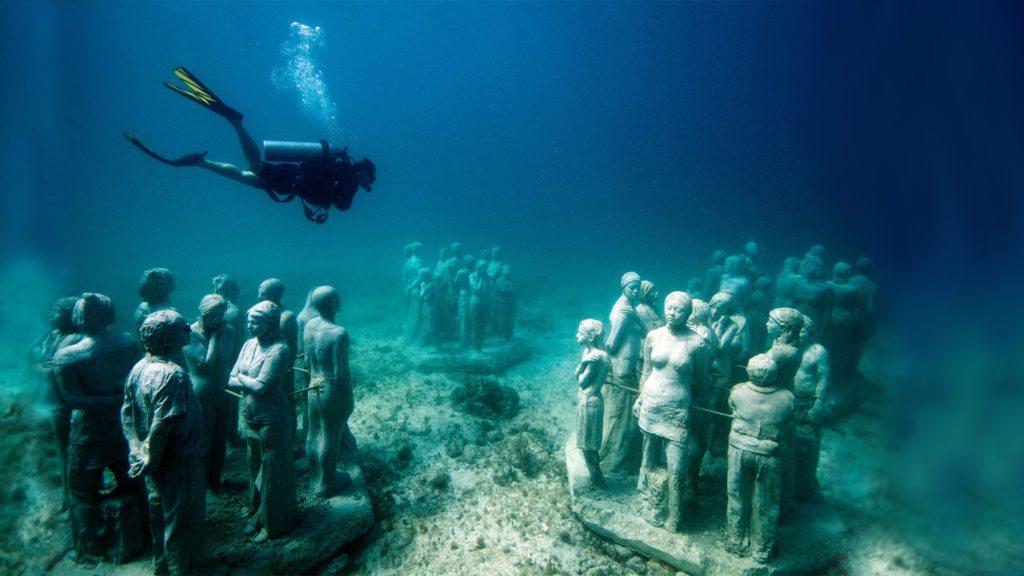 Underwater-Museum-Surfing-wsj