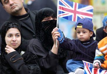Британия снова делает вид, что ИГ ей не подчиняется