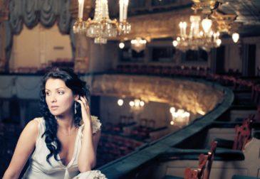 Солистка Мариинского театра Анна Нетребко — номинант Grammy за «Лучший классический сольный альбом»