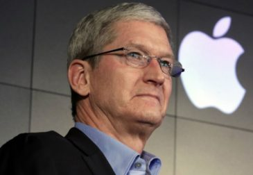"""Генеральный директор корпорации Apple Тим Кук объявляет войну """"ложным новостям"""""""