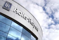 Rolls-Royce замораживает зарплаты 8000 менеджеров