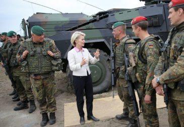 """Германия готова сотрудничать с Россией, но """"c позиции силы"""""""