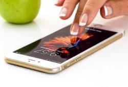 Пользователи iOS смогут переводить деньги через Apple Pay
