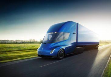 Tesla представила всему миру революционный грузовик