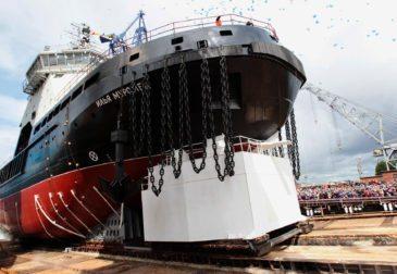 Впервые за 45 лет ВМФ России получил новый ледокол