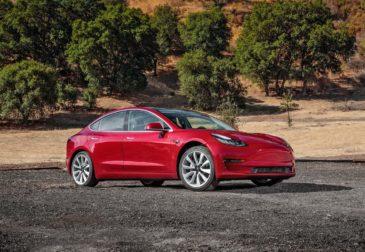Тесла временно прекращает производство Model 3.