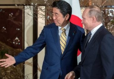 «Откровенный разговор» Абэ и Путина