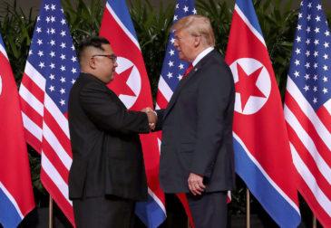 Историческая встреча состоялась: Трамп и Ким Чен Ын заключили сделку