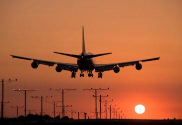 Первый в мире Boeing 777 совершает свою последнюю посадку