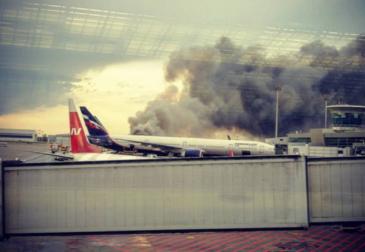 «Мустай Карим» разбился в Шереметьево: Сухой Суперджет сгорел после посадки