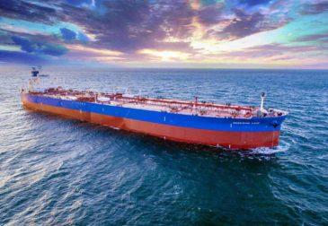Два нефтяных танкера подверглись атаке в Саудовской Аравии