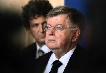 Экс-главе France Telecom Дидье Ломбарду грозит тюрьма за массовые самоубийства сотрудников