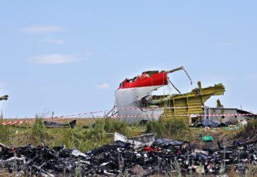 Кто сбил малайзийский Boeing-777: почему Путин отрицает участие России?