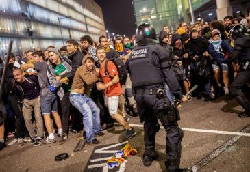 Третья ночь насилия в Барселоне