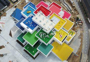 А вы хотели бы жить в доме LEGO?