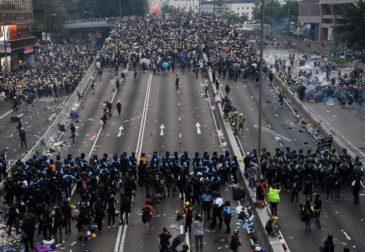 Китай выразил строгий протест США из-за принятого законопроекта по Гонконгу