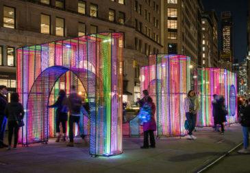 Новомодные праздничные украшения города