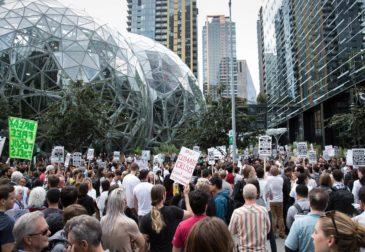 Сотрудники Amazon выступают против политики компании