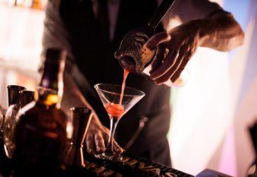 Рейтинг Топ-10 самых необычных ресторанов и баров России 2020
