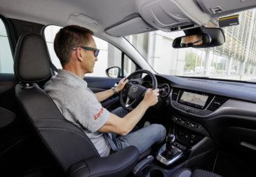 Умные датчики позволят водителям смотреть сквозь стены