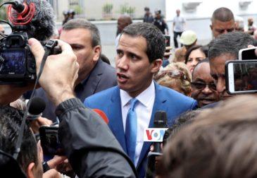 Лидер оппозиции Хуан Гуайдо вернулся в Венесуэлу, чтобы свергнуть президента