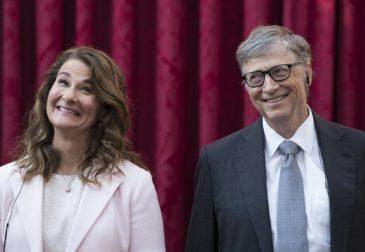 Билл и Мелинда Гейтс пожертвовали $100 млн на исследования и лечение коронавируса