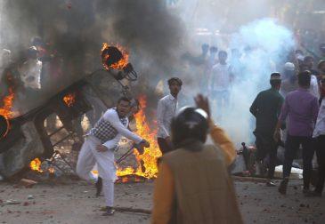 Религиозный конфликт в Нью-Дели унес жизни по меньшей мере 20 человек