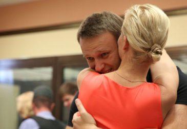 Навальный заставил поверить в любовь: восстановление после комы