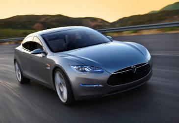 Tesla набирает обороты: компания разработала новые супербатареи