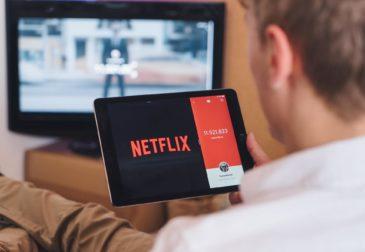 Переводчик больше не нужен: Netflix запустил русскоязычную версию