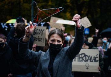 Не имеешь право на аборт: Польша ужесточила условия «абортивного компромисса»