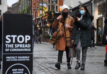 Новогоднего чуда не будет: жителям Лондона запретили собираться вместе наРождество