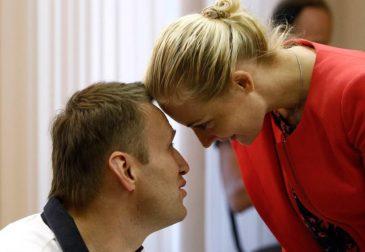 Героиня нашего времени: о чем Юлия Навальная рассказала Harper's Bazaar