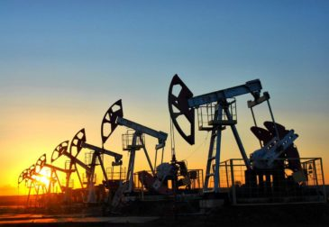 Страны ОПЕК+решили увеличить добычу нефти