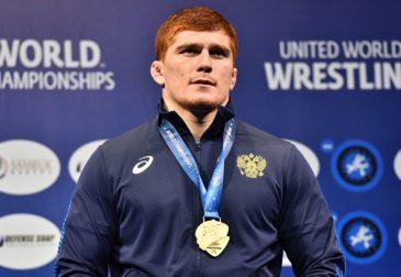 Российский борец Муса Евлоев завоевал золотую медаль в турнире по греко-римской борьбе