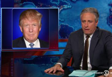 Комик Джон Стюарт назвал Трампа суперзлодеем